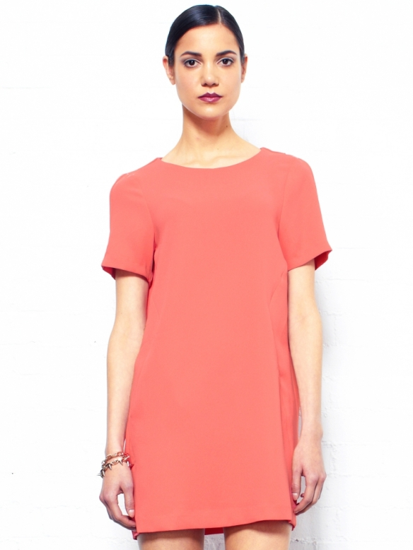 ISS10011_mf1_issue_coral-pocket-front-dress_1-750x1000