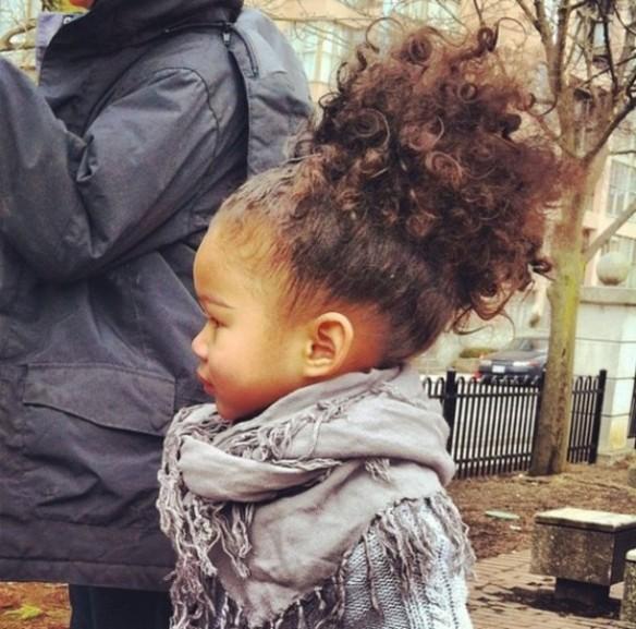 u96yjf-l-610x610-girls-toddler-kids-kids+clothes-clothes-fashion+kids-kids+fashion-fall-fall+fashion-knitted+sweater-grey-gray-tsannag-fall+outfits-scarf-curly+hair-tsanna+g