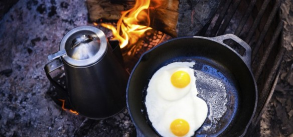 coffee-and-eggs-on-fire-850x400