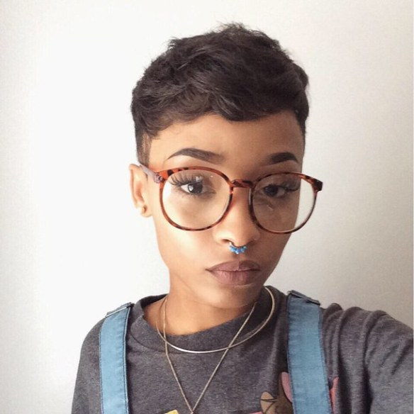 cute-glasses-piercing-pretty-Favim.com-3167436