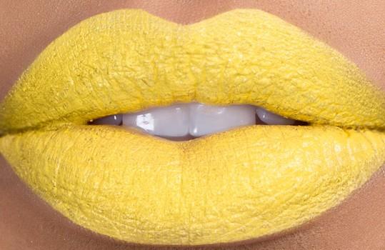 banana-milkshake-bright-yellow-lipstick-by-kaoir