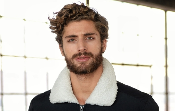 curly-wavy-curls-hair-man-hairstyle-cut-brown