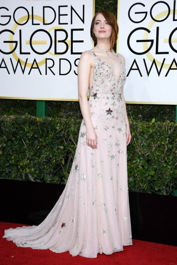 golden-globes-2017-red-carpet-emma-stone