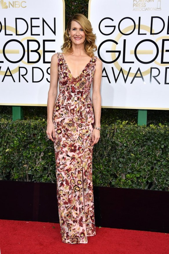 golden-globes-2017-red-carpet-laura-dern